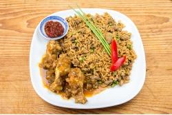Surinaamse nasi met Javaanse kip