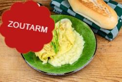 Zoutarme omelet in botersaus voor op een boterham