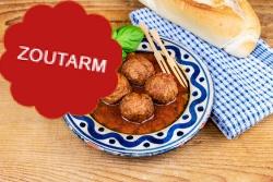 Zoutarme gehaktballetjes in Italiaanse tomatensaus