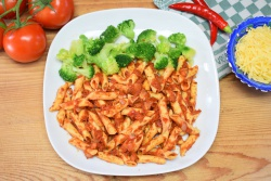Penne all'arrabbiata met broccoli